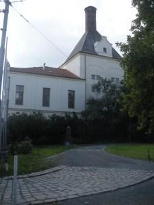 Entrada a la abadía donde trabajó Mendel